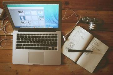 apple-camera-desk-office.jpg