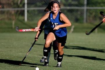 field-hockey-game-action-girls-163432.jpeg